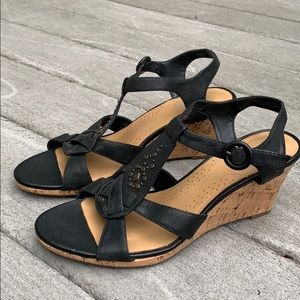 EUC Clarks black leather studded strappy wedges